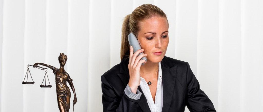 В чем преимущества консультаций юриста онлайн?